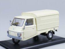 1/32 Scale model Car Furgone, 1972 (creme) (Ape (by Hachette))