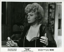 SHELLEY WINTERS ORIGINAL 8X10 ALFIE PHOTO IN NEGLIGE