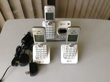 At&T Telephone El52353 White 3 Hansets Cordless Answering System With Caller Id