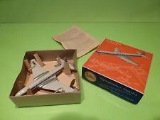 SIKU PLASTIC F5a FLUGZEUG - DE HAVILLAND COMET 4 - BOAC - 1:250 - GOOD IN BOX