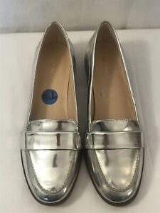 NINE WEST Silver Cinjan Leather Moccasin Size 7 1/2 (Minor Defect) New