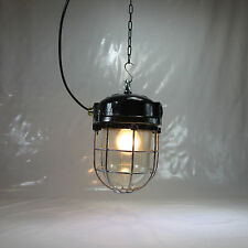 6kg. SCHUTZGITTER GLASKOLBEN LAMPE METALL EX. BUNKERLAMPE INDUSTRIE DESIGN NO10