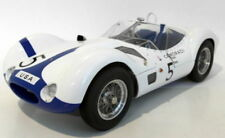 Véhicules miniatures CMC pour Maserati