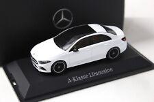 1:43 Herpa Mercedes A-Klasse Limousine white DEALER NEW bei PREMIUM-MODELCARS