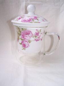 Teetasse aus Glas mit Porzellaneinsatz und Deckel - Motiv - Rose