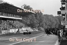 JACKY ICKX FERRARI 312/68 WINNER FRENCH GRAND PRIX 1968 fotografia 2