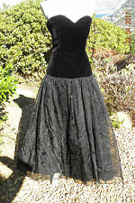 STUNNING LONG BLACK VELVET DRESS, SIZE 14, GOTHIC, STEAMPUNK, VINTAGE, VICTORIAN