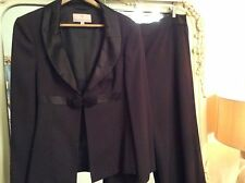 Fenn Wright Manson Pure Wool And Silk Trouser Suit 18