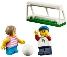 NEW LEGO BOY & GIRL playing SOCCER 60134 fun in the park minifigure minifig goal