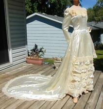1940s IVORY SATIN RUFFLED WEDDING GOWN WITH LACE & LONG TRAIN  28/30W
