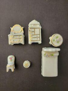 Maruri Masterpiece Porcelain Bedroom  Set Miniature Dollhouse Furniture Enesco