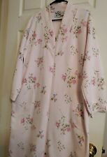 VINTAGE Secret Fantasies Women' Zip Robe Pink Floral Size Medium 100% polyester