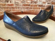 Clarks Navy Blue Perforated Leather Everlay Dairyn Slip on Comfort Shoe NEW