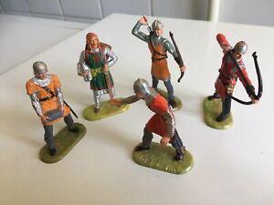 Lot de (5) Figurines Moyen-Age avec un Personnage de Légende -