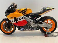 Minichamps 1:12 - Valentino Rossi - 2003 - Honda RC211V MotoGP