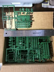 HO Scale Box of Green Train Car Parts NOS New Old Stock $1 Lot #104