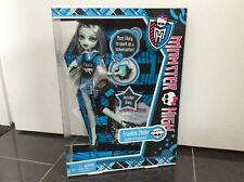 BNIB MONSTER HIGH Frankie Stein doll Out of School Diary 2011