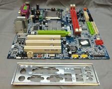 Gigabyte ga-8vm800pmd-775-rh Presa 775 Scheda Madre con I / O PIASTRA e processore