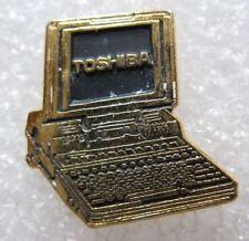 Pin's Un ordinateur Portable TOSHIBA  #232