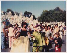 Vintage 80s PHOTO Snow White & Dopey Of 7 Dwarfs At Disneyland