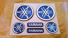 DOMED YAMAHA BIKE ROUNDAL STICKERS DECAL SILVER / BLUE FULL KIT FORKS / TANK