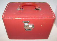 VINTAGE RED LUCE TRAIN CASE LUGGAGE SUITCASE COSMETIC W/ MIRROR USED BUT NICE