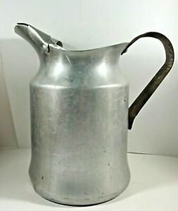 Vintage WALKER WARE Aluminum Pitcher Retro Country Kitchen Camping
