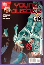 YOUNG JUSTICE 1 April 2011 9.2-9.4 NM-/NM DC - 1ST APPEARANCE OF GREG WIESMAN!!!