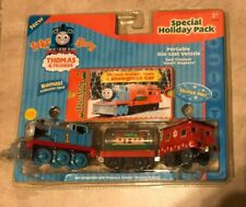 Thomas Train Take Along Holiday Pack w/ Snowglobe Car Metal Die Cast Set NEW