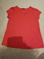 LADIES BHS W GOLD BAR TRIM KEYHOLE NECK RED STRETCH TOP SHORT SLEEVE Size 18 VGC