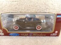 Vintage 1932 Road Legends 1:18 Scale Diecast Ford 3-Window Coupe Black Car