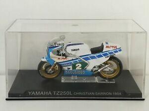 Moto compétition 9 1/24 Altaya IXO YAMAHA TZ250L TZ 250L Christian Sarron 1984