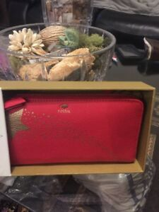 Fossil Leather Zip Around Real Red Wallet Clutch Gold Shooting Star NWT NIB