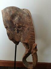 Antica scultura in legno di elefante