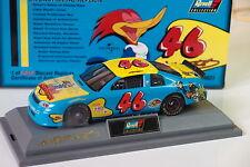 REVELL NASCAR 1997 CHEVROLET MONTE CARLO #46 UNIVERSAL STUDIOS WOODY WOODPECKER