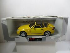 1/18 UT MODELS YELLOW MERCEDES - BENZ SLK 230 KOMPRESSOR