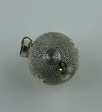 Glockenspiel Anhänger aus Bali  Sterling Silber  Peridot