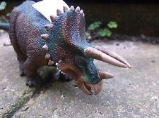 Wild Safari Ltd Dinosaurio Triceratops prehistóricos - 19 X 7 Cm