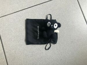 Peluche Sonia Rykiel, petit ours en noir et blanc avec sa pochette