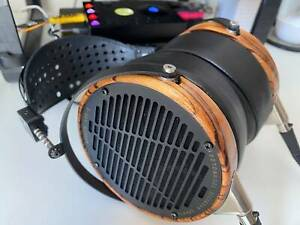 Audeze LCD-3 Fazor headphones with upgraded carbon fibre headband and new pads
