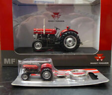 Universal Hobbies Massey Ferguson 135 1/32nd Scale Collector Model + Keyring