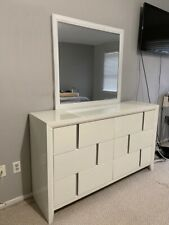 Dresser + Mirror+ 2 Nightstands