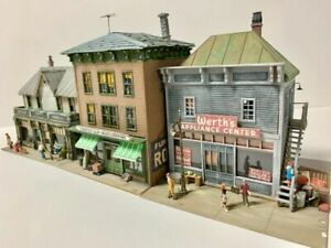 CCK MAIN STREET 1952 - ...INCLUDES 3 OF OUR MOST POPULAR CITY STRUCTURES!!!