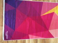 Nuevo sin etiquetas vendido Yoga Design Lab Multicolor Geo Caliente Toalla de Yoga