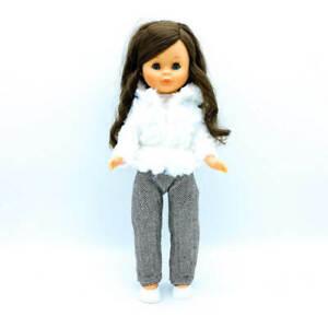 Ropa pantalón colección, top, zapatos y percha  muñeca Nancy clásica Famosa