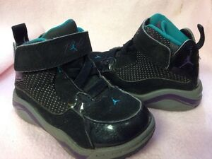 Jordan Sneakers Infant Size 6 C Black Blue Purple Design