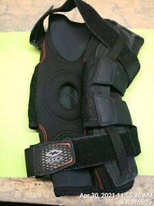 Shock Doctor  875 knee brace w/ Bilateral hinges Size M Right  level 3+