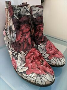 I LOVE BILLY  VELVET FLORAL BOOTIES SIZE 40 AS NEW VERY COMFY STUNNING