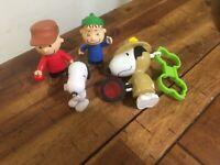 Lot Of 4 Peanut Snoopy Lot Of Plastic Figures