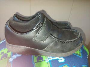 Clarks boys school shoes size 3g